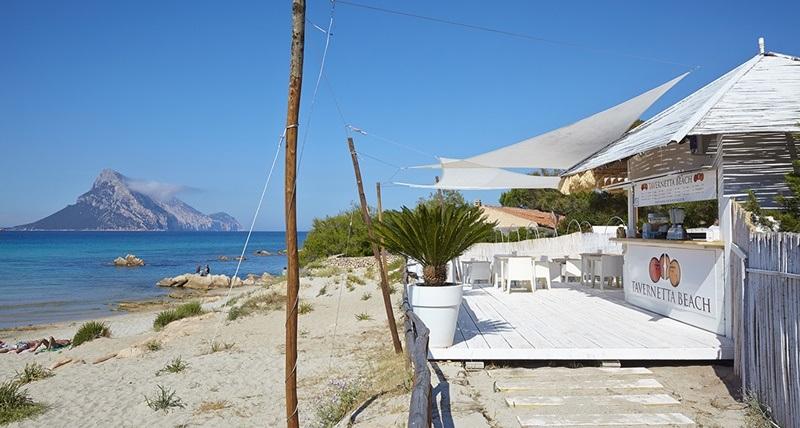 nuovo-chiosco-bar-sulla-spiaggia-di-porto-taverna